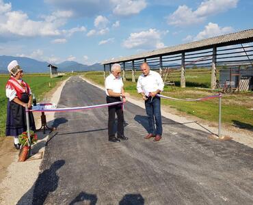 Otvoritev ceste in nastop Godbe Mengeš